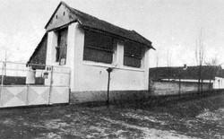 08_Kőlábazatra épült kukoricagóré (Toron