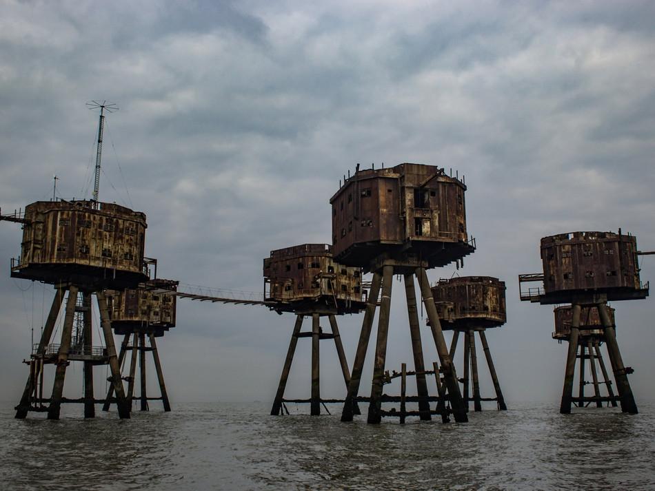 simon fowler_MAUNSELL SEAFORTS thames estuary-595067152lr.JPG