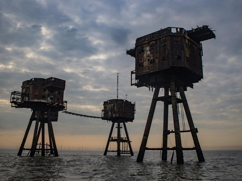 simon fowler_MAUNSELL SEAFORTS thames estuary-595831672lr.JPG