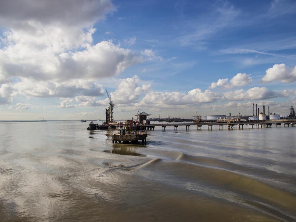 simon fowler_photography_13_Canvey_Coryton Refinery_Essex.JPG