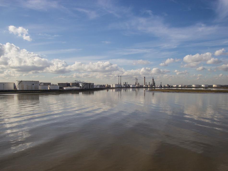 simon fowler_photography_09_Canvey_Coryton Refinery_Essex.JPG