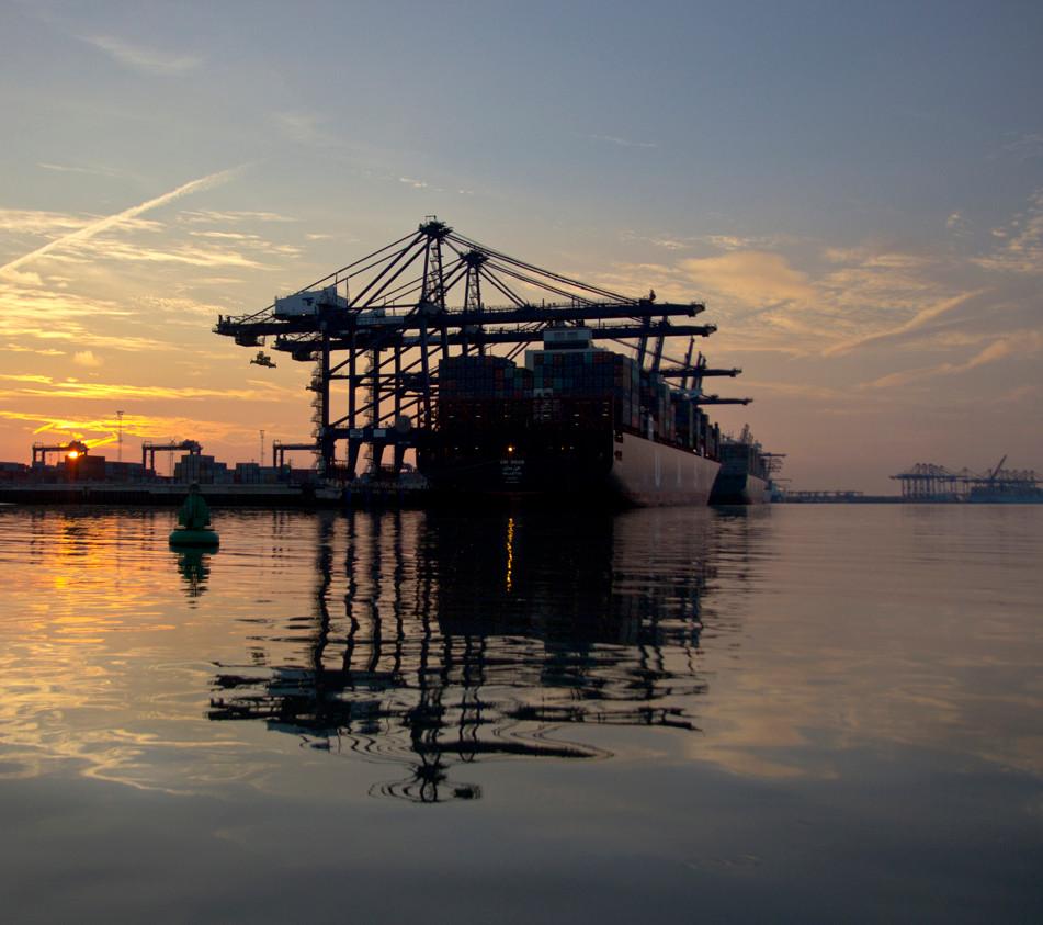 harwich dock lr.jpg