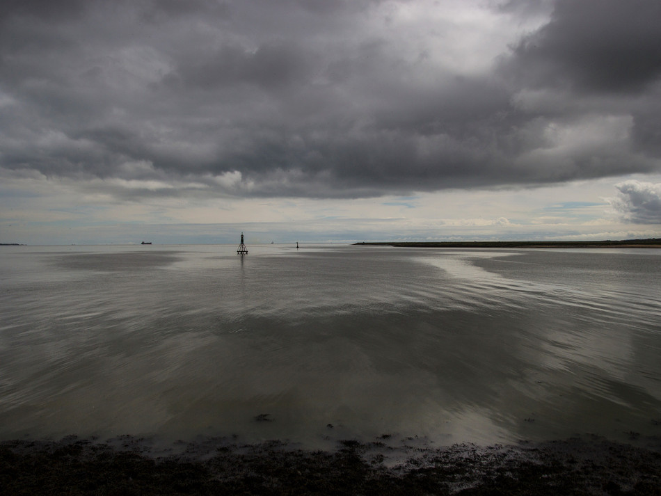 simon_fowler_photography_thames_estuary_from the shore and beyond_11.jpg