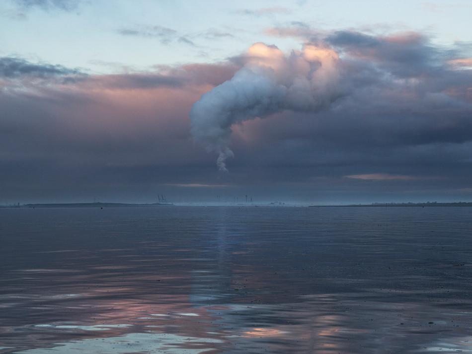 simon fowler_photography_03_chalkwell beach_morning_essex.JPG