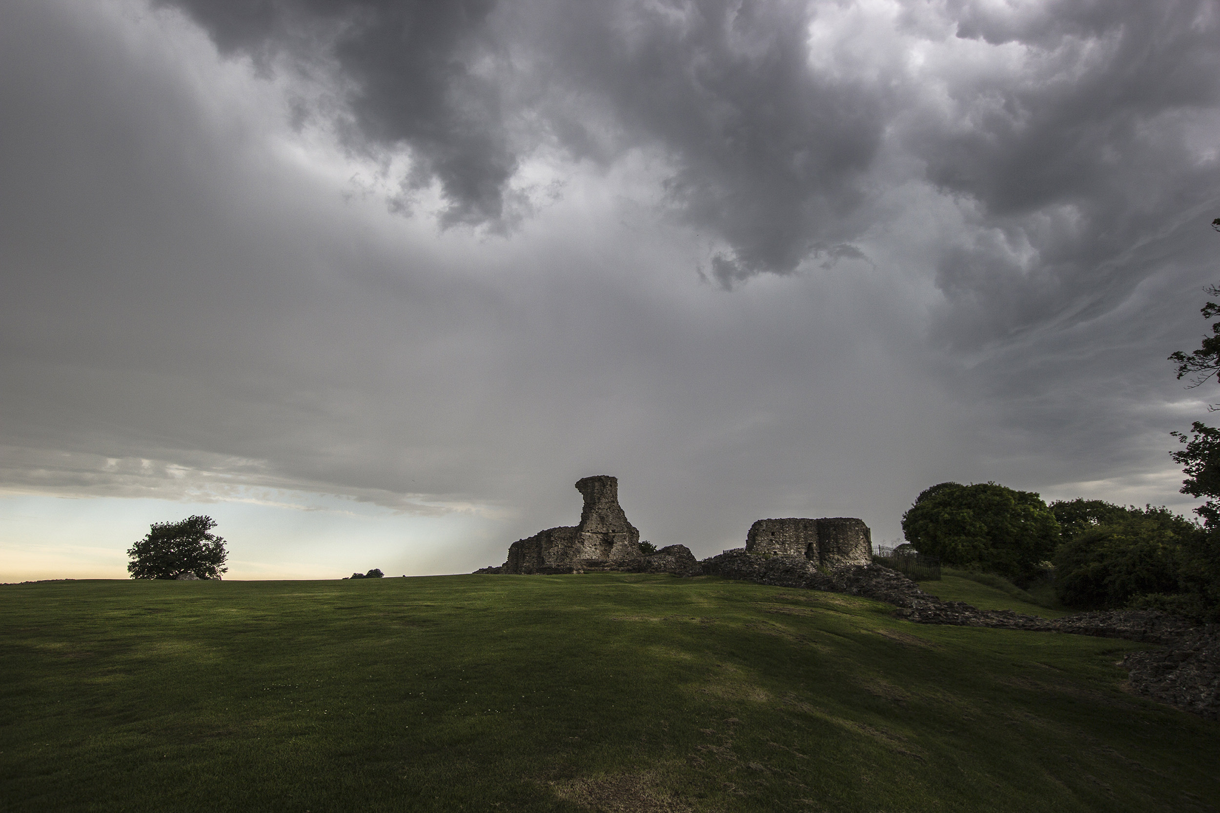 Hadleigh Castle - ruined tower