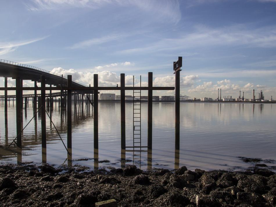simon fowler_photography_07_Canvey_Coryton Refinery_Essex.JPG