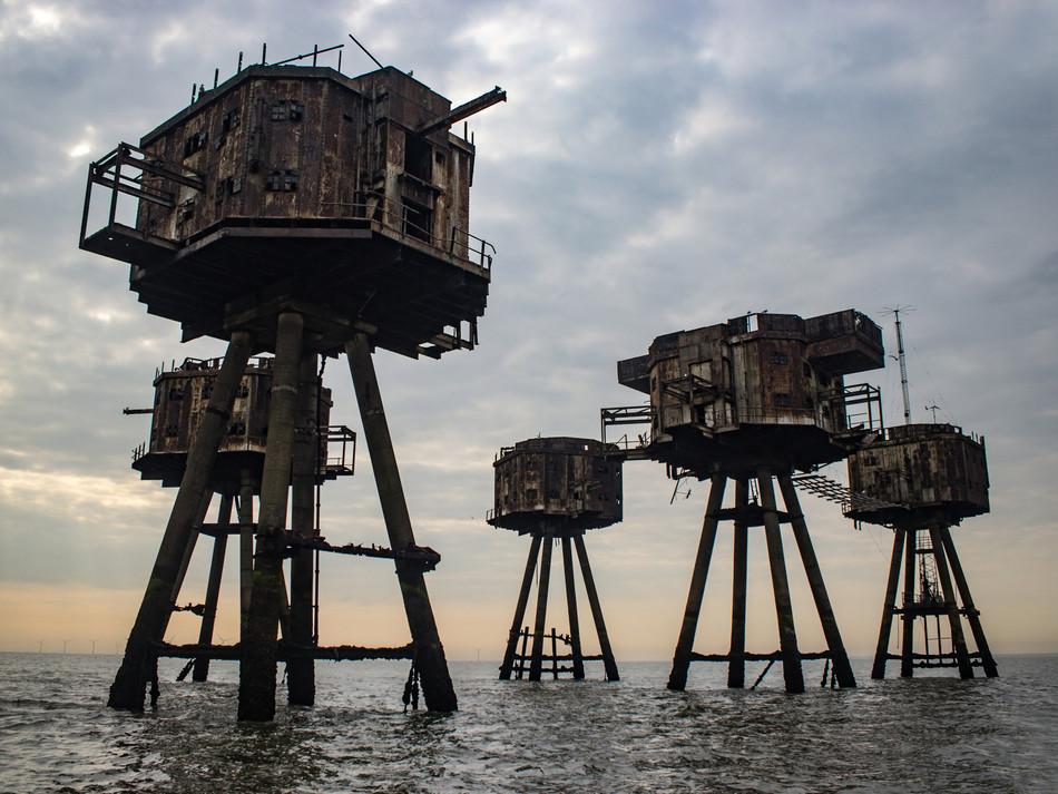 simon fowler_MAUNSELL SEAFORTS thames estuary-597330976lr.JPG