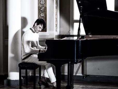 Riccardo Foresi: dagli studi musicali presso il Conservatorio Rossini di Fermo al Rock Music Hall