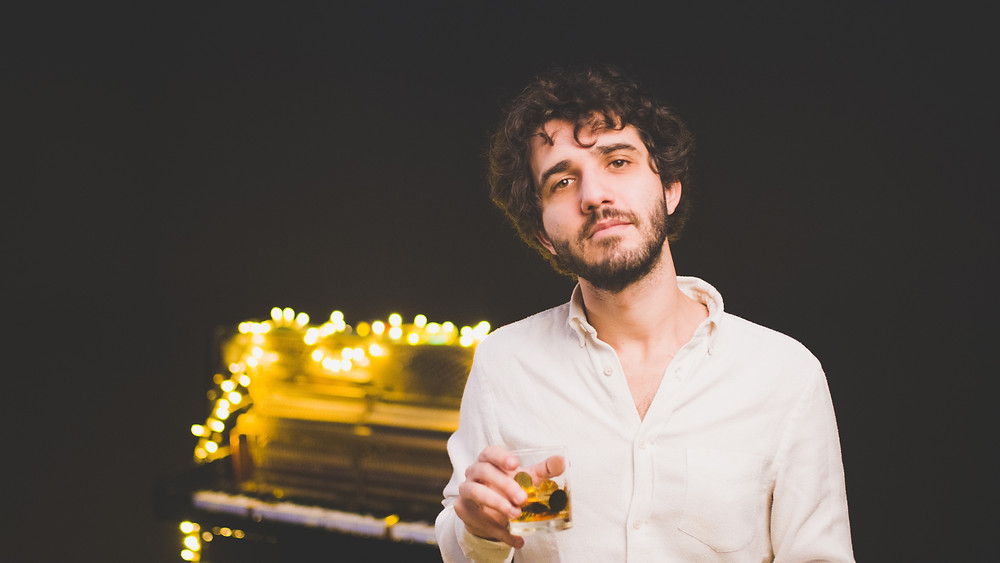 Lorenzo Vizzini: il giovane autore apprezzato da Renato Zero alla Ornella Vanoni | Angela Pensabene