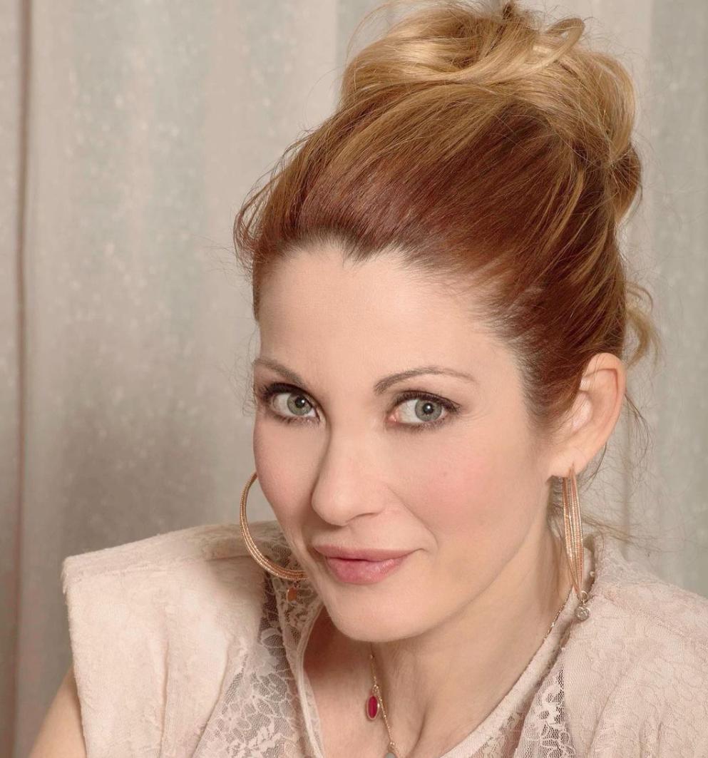 Milena Miconi: da ragazza senza limiti alla pluridecennale esperienza sul palcoscenico Teatrale | Angela Pensabene
