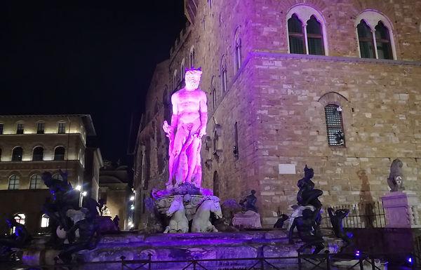 """Il """"Biancone"""" diventa rosa per la ricerca sul cancro"""