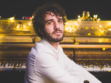 Lorenzo Vizzini: il giovane autore apprezzato da Renato Zero alla Ornella Vanoni