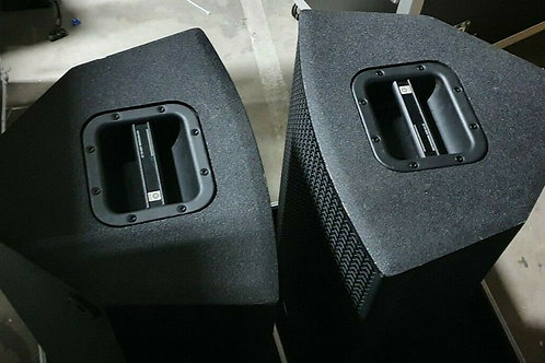 "4 x Contour 15 Inch and 2"" Horn Speakers with Roadcases"
