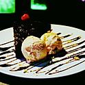 Pastel de Chcolate con Helado