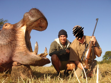 HIPPO HUNTING - SHAUN BUFFEE SAFARIS