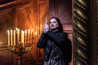 0341 Gyula Nagy as Hamlet in Hamlet (C)