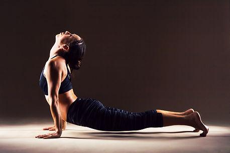 hatha-yoga-vs.-bikram-yoga.jpg