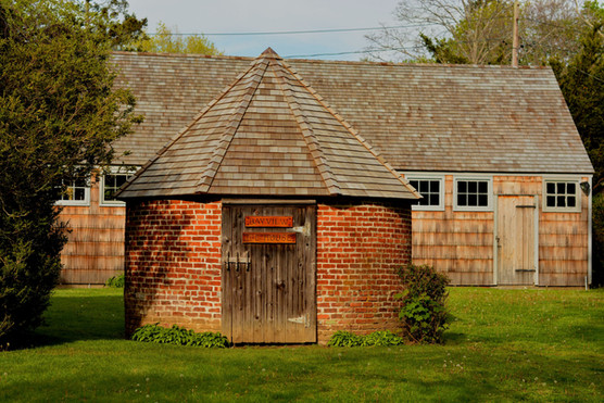 Ice house in Southold
