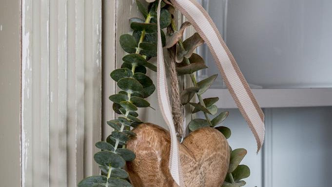 Wooden Hanging Heart Decoration.