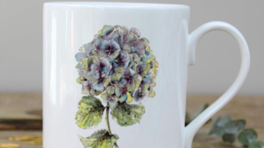 Hydrangea mug in a gift box