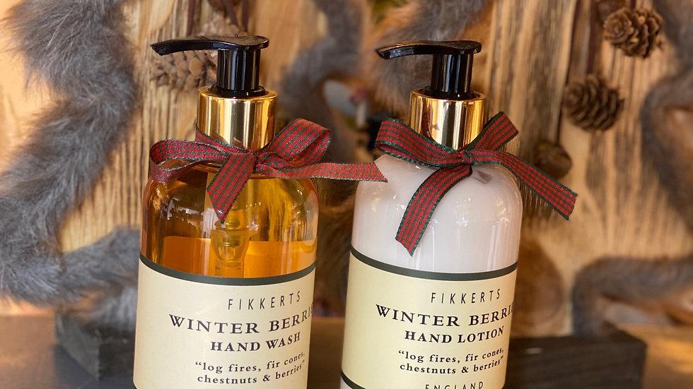 Winter Berry Hand Set