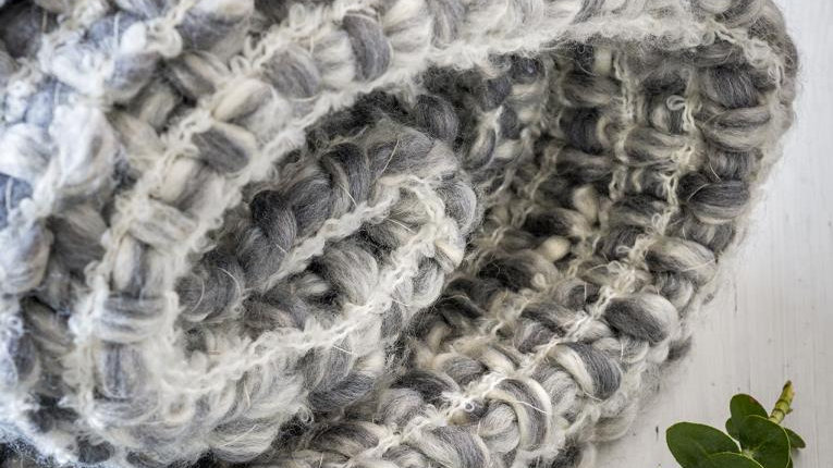 Chunky Grey and White Throw/Blanket