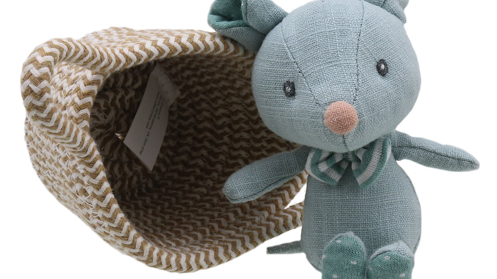 Wilberry Mouse in basket