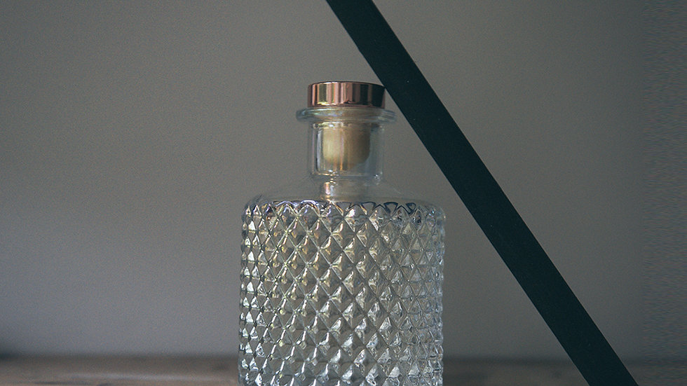 Carefree - Reed Diffuser in Pearlised Geo Diamond Glass