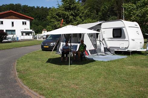 Stellplatz für Wohnwagen, Reisemobiel und Zelte