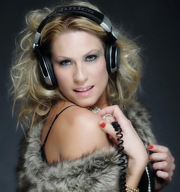 DJ EVE / EVE CAREY