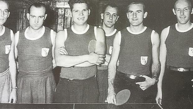 Den Sprung in die Oberbayerische Tischtennis-Kreisliga schafften sie bereits 1953: Paul Melzer, Emil Hoffmann, Bruno Prändl, Heinz Lehnart, Erich Koller und Heiner Hofmann.