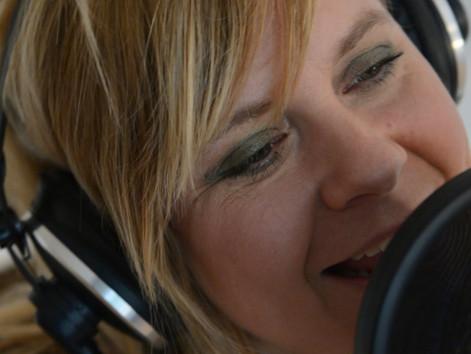 Marie Frank - Bagom 'Lille Fredag i provinsen'