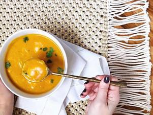 Sopa de calabaza y curry