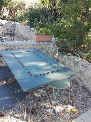Table Propolis 8