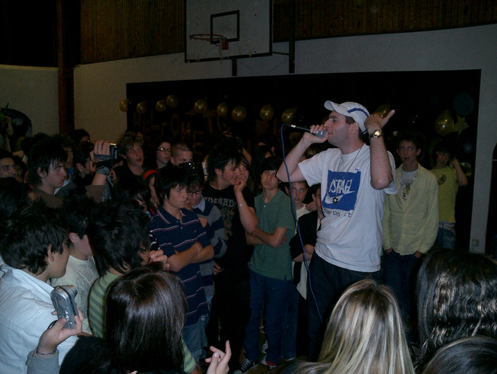 Antithesis the Zionist Rapper Performs at Kesher, UK