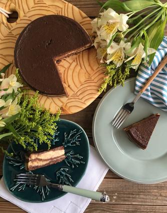 Cheesecake de Chocolate com Pasta de Amendoim