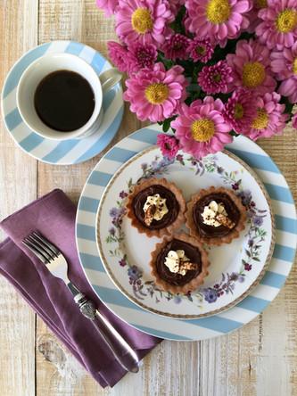 Tortinha de Nutella com Crocante de Amendoim e Ovomaltine