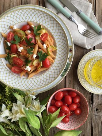 Penne Integral com Abobrinha, Tomates e Cottage