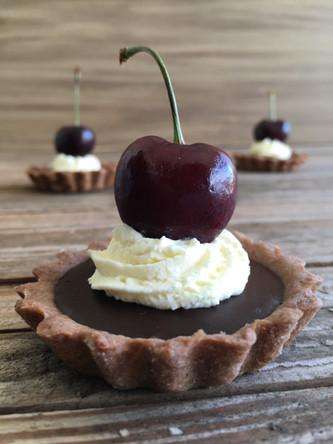 Tortinha de Chocolate com Cereja