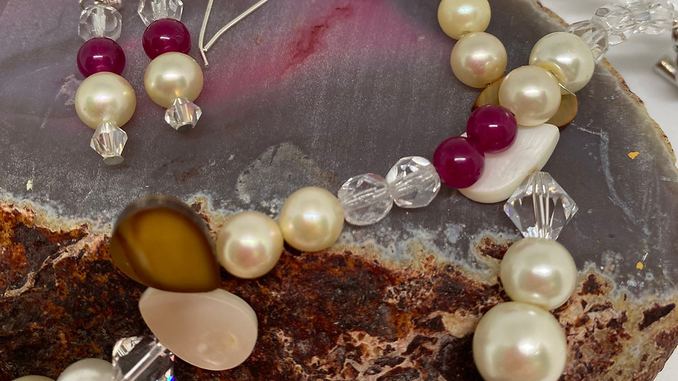 Stunning Necklace and Earring set