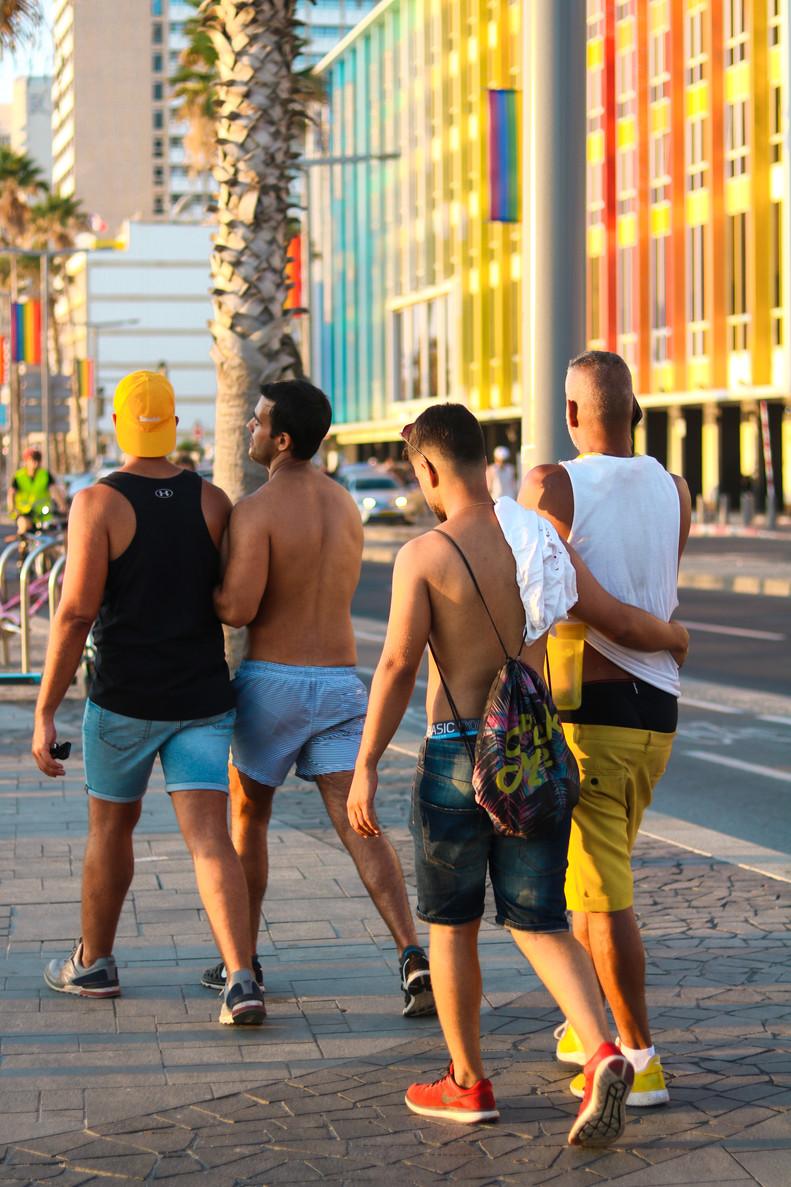 Gays3.jpg