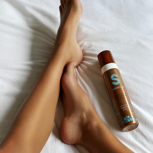 Sunescape Instant self tan mousse - Week in Fiji (Medium) 250 ml