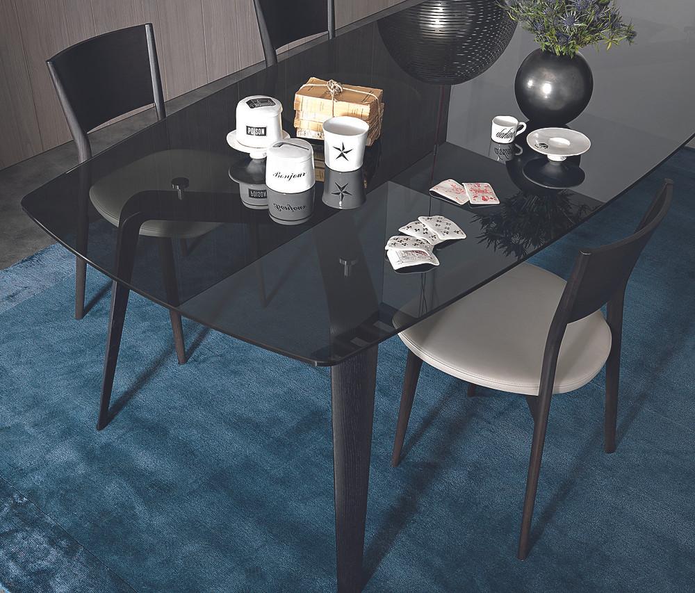 Gramercy_table_04.jpg