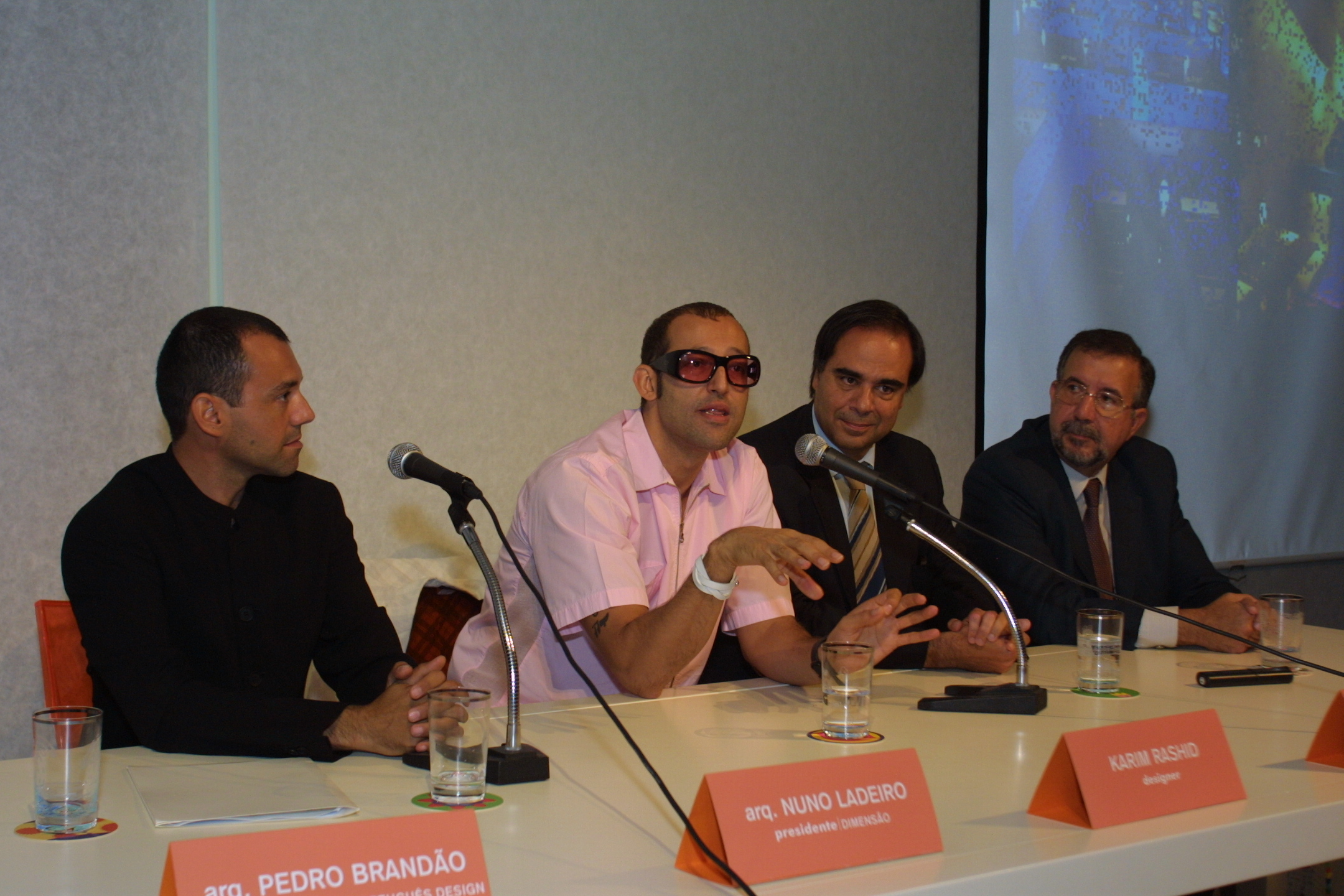 Conferência com Karim Rashid