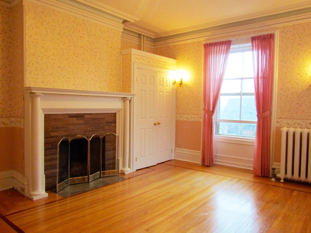 West Mansion Room