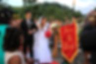 Flâmulas personalizadas para casamento bordadas em veludo com as iniciais do casal