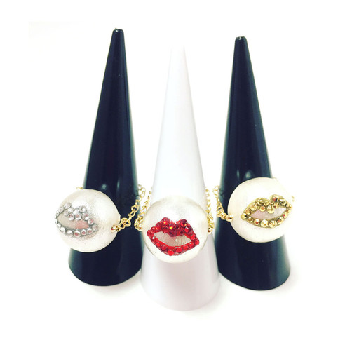 Kiss ring_big