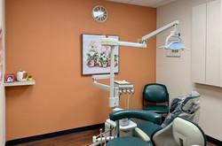 clean dental treatment roomc