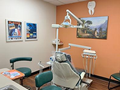 clean dental treatment room