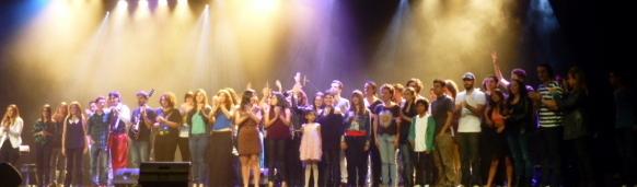 Saludo_final_-_Concierto_Academia_de_Música_Moderna_-_14_de_junio,_2013